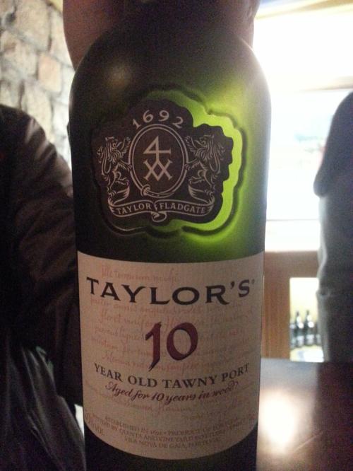 오크통 속에서 10년 숙성된 토니 포토(10 year old Tawny Porto, in wood) 와인