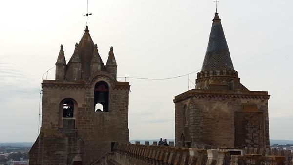 에보라대성당의 두 종탑
