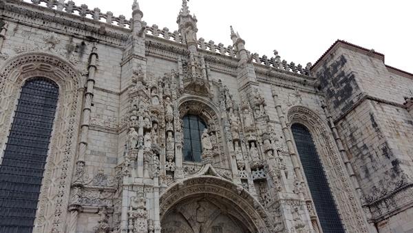 포르투갈의 대표적인 마뉴엘 건축양식으로 지어진 리스본의 제로니무스수도원