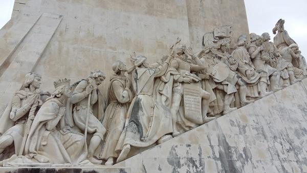 항해왕 엔리케 등 포르투갈 대항해시대의 주역을 조각한 리스본 벨렝지구 강변의 발견기념비