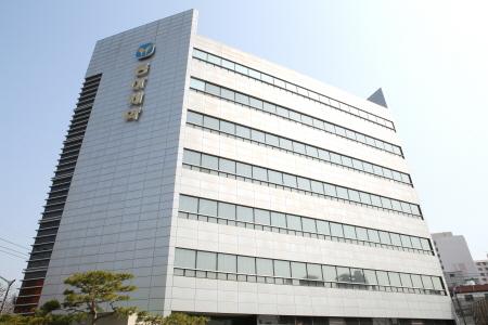 동아제약이 14일 소비자중심경영 인증제도인 'CCM' 인증을 5회 연속 획득했다고 밝혔다.