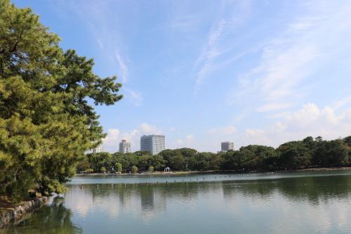 중국 항저우의 서호(西湖)를 벤치마킹해 조성해 '물의 정원'으로 사랑받는 일본 후쿠오카시 오호리공원