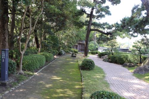 오호리공원 일본정원 내 최상의 인공미를 자랑하는 가레산스이정원